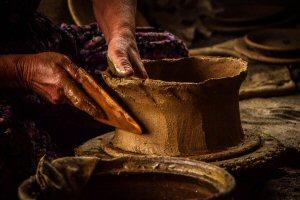 Molding a pot